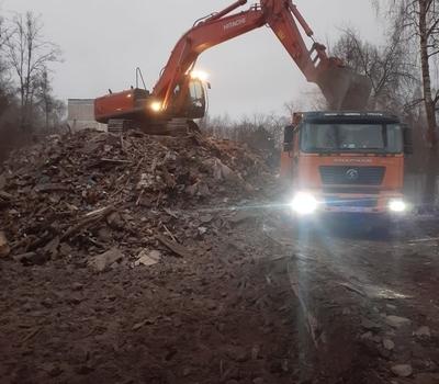 Вывоз строительного мусора самосвалами